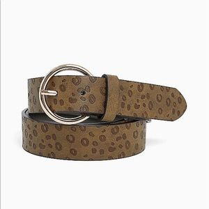 Nwt Torrid size 4 Olive Animal Print Belt